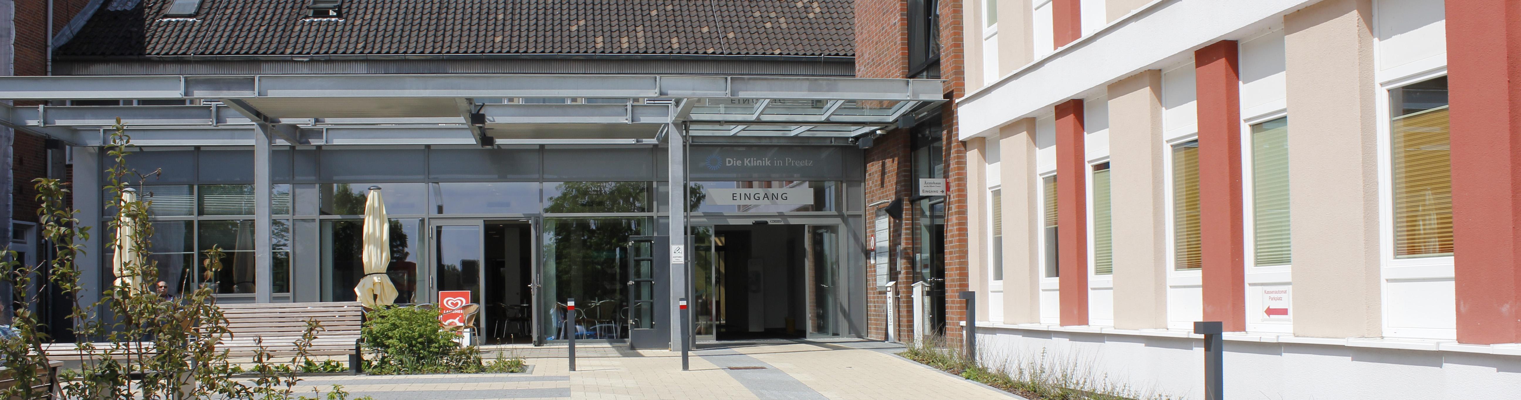 Eingangsbereich der Klinik Preetz